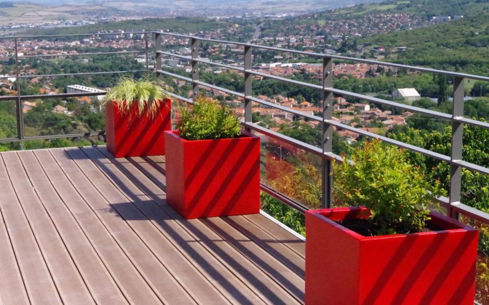 terrasse-bois-composite-pot-vondom